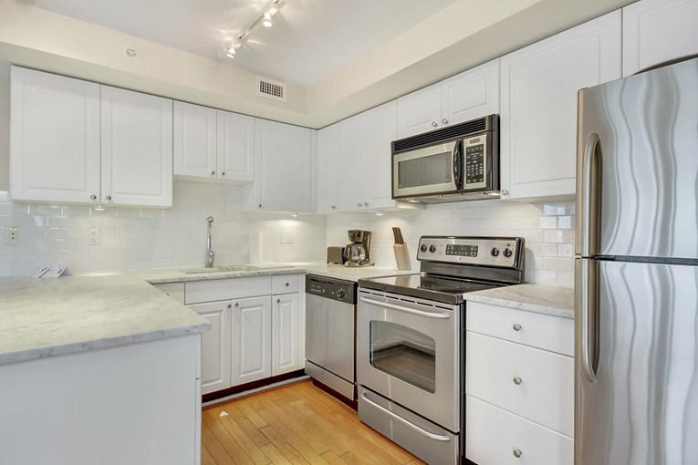 11 Beach Ave. Kitchen
