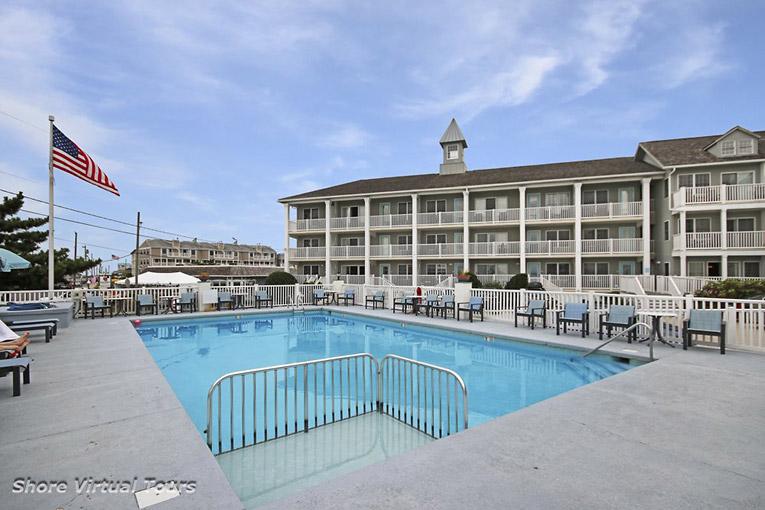 11 Beach Ave. Pool